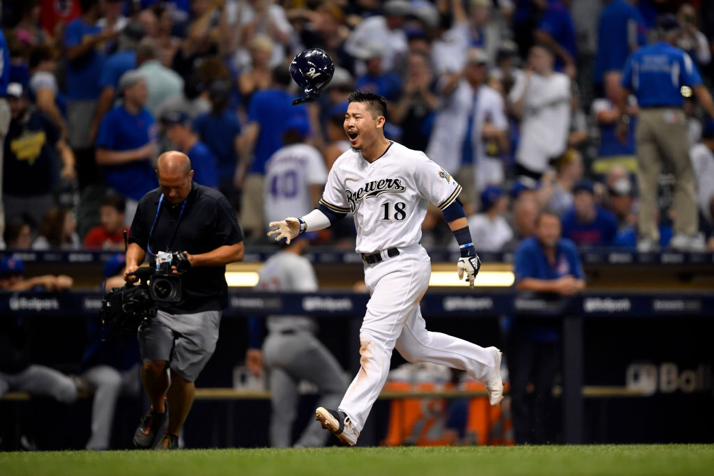 MILWAUKEE, WI - JULY 27: Keston Hiura #18 of the Milwaukee Brewers hits a walk-off home run against the Chicago Cubs at Miller Park on Saturday, July 27, 2019 in Milwaukee, Wisconsin