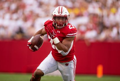 Wisconsin domina Michigan em grande partida de Jonathan Taylor - The Playoffs