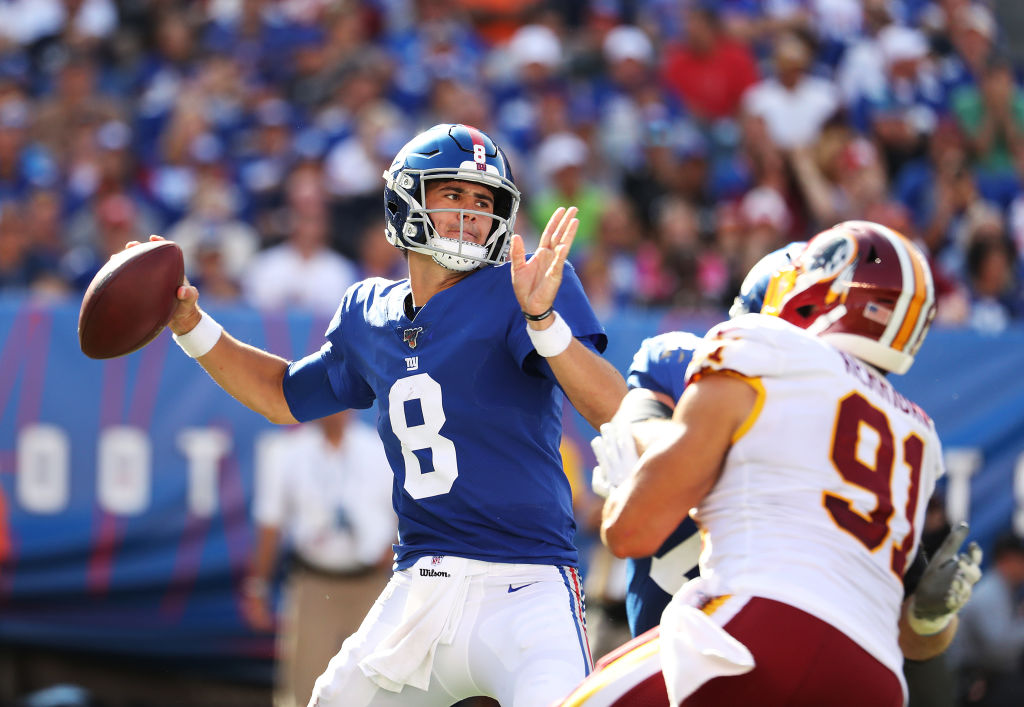 EAST RUTHERFORD, NEW JERSEY - SEPTEMBER 29: Daniel Jones #8 of the New York Giants passes against the Washington Redskins during their game at MetLife Stadium on September 29, 2019 in East Rutherford, New Jersey