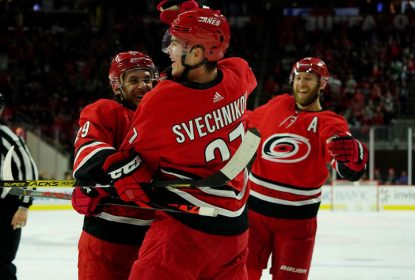 Com dois gols de Andrei Svechnikov, Hurricanes vencem Flames - The Playoffs