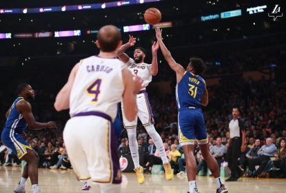 Lakers vencem os Warriors sem dificuldades pela pré-temporada da NBA - The Playoffs