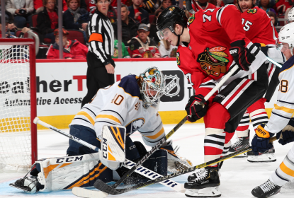 Dach marca duas vezes e Blackhawks goleiam Sabres - The Playoffs