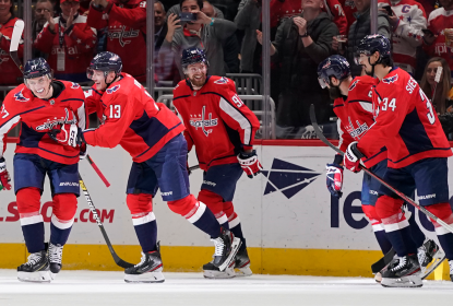 Washington Capitals vence Boston Bruins de virada com show de Oshie - The Playoffs