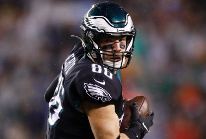 Zach Ertz não jogará última partida da temporada regular da NFL - The Playoffs