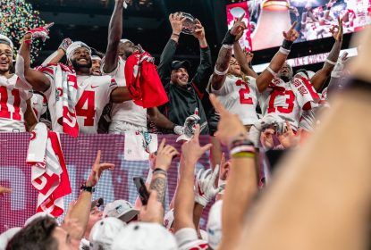 Ohio State vence Wisconsin e conquista tricampeonato da Big Ten - The Playoffs
