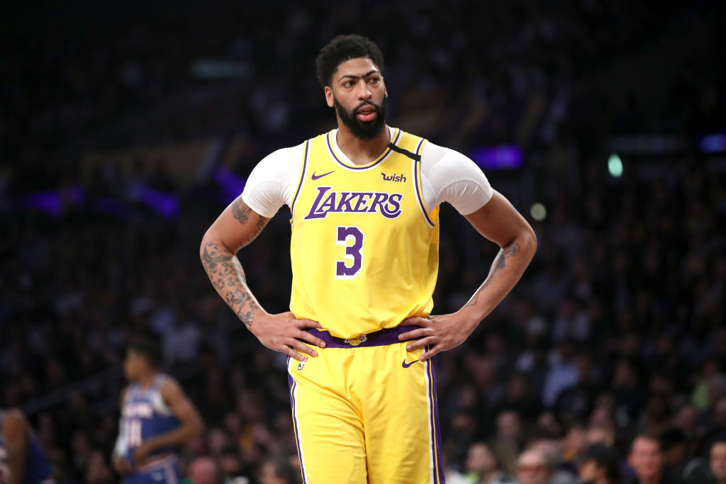 LOS ANGELES, CALIFORNIA - JANUARY 07: Anthony Davis #3 of the Los Angeles Lakers looks on during the first half of a game against the New York Knicks at Staples Center on January 07, 2020 in Los Angeles, California