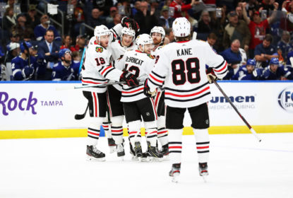 Com direito a hat trick Dominik Kubalik, Blackhawks vencem Lightning - The Playoffs
