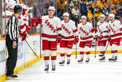 Canes vencem Predators fora de casa e continuam na disputa por vaga nos playoffs - The Playoffs