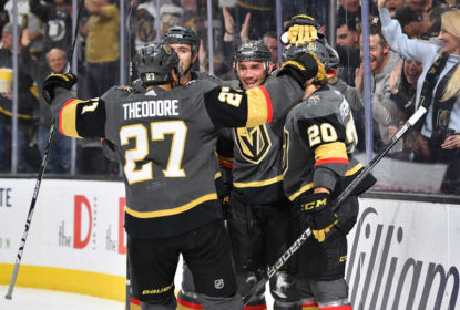 Com estreia brilhante de Alec Martínez, Golden Knights vencem Lightning - The Playoffs