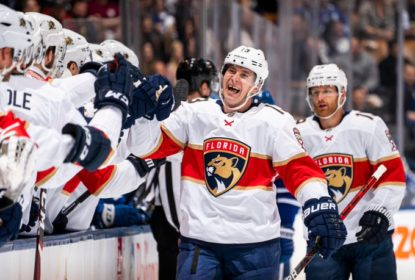 Mark Pysyk anota primeiro hat trick e Panthers vencem Maple Leafs