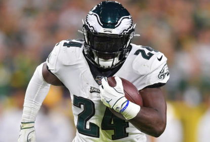 Eagles assinam com LB Eric Wilson e RB Jordan Howard por um ano - The Playoffs