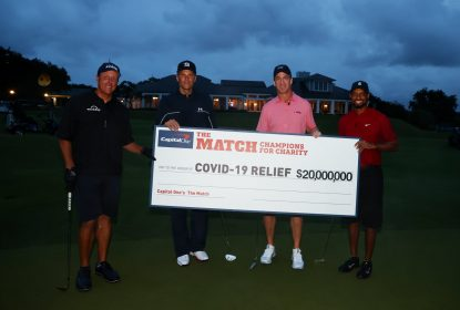 Manning vence Brady em evento beneficente de golfe - The Playoffs