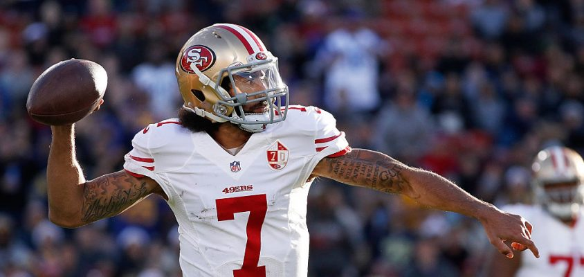 LOS ANGELES, CA - DECEMBER 24: Quarterback Colin Kaepernick #7 of the San Francisco 49ers game passes the ball during their game against the Los Angeles Rams at the Los Angeles Memorial Coliseum on December 24, 2016 in Los Angeles, California