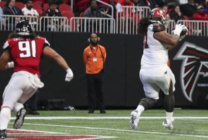 Defensive tackle Vita Vea passa por cirurgia na mão - The Playoffs