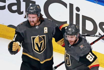 Smith marca na prorrogação e Golden Knights vencem Blackhawks - The Playoffs