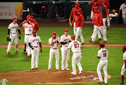 Los Angeles Angels vence e encerra sequência do Oakland Athletics - The Playoffs