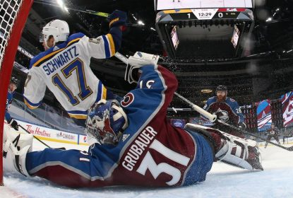 Avalanche bate Blues com gol no último segundo da partida - The Playoffs