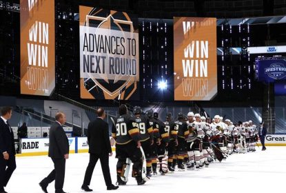 Golden Knights derrotam Blackhawks e garantem vaga na 2ª rodada - The Playoffs
