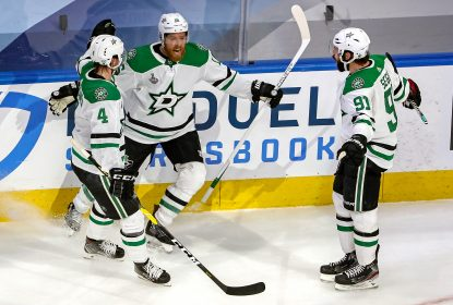 Com dois gols de Perry, Stars vencem Lightning e continuam vivos - The Playoffs