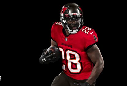 Bucs renovam com Fournette por mais uma temporada - The Playoffs