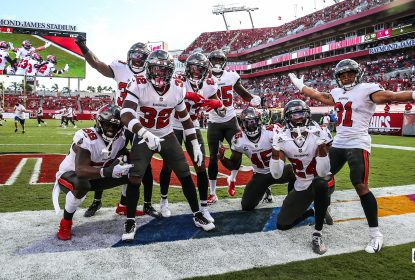 Tampa Bay Buccaneers domina e encerra invencibilidade do Green Bay Packers - The Playoffs