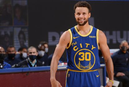 Curry brilha e Warriors conseguem grande virada contra os Clippers - The Playoffs
