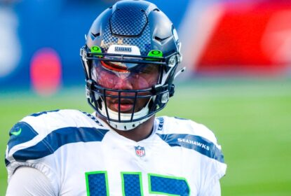 Carlos Dunlap assina por dois anos com o Seattle Seahawks - The Playoffs