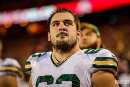 Los Angeles Chargers acerta com center Corey Linsley - The Playoffs
