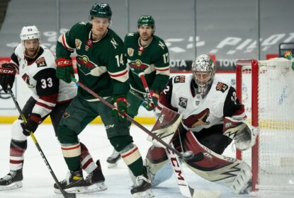 Dominante, Minnesota Wild derrota Arizona Coyotes por 5 a 2 - The Playoffs