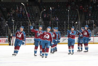 Avalanche bate Blues com gol de Cale Makar no final da partida - The Playoffs
