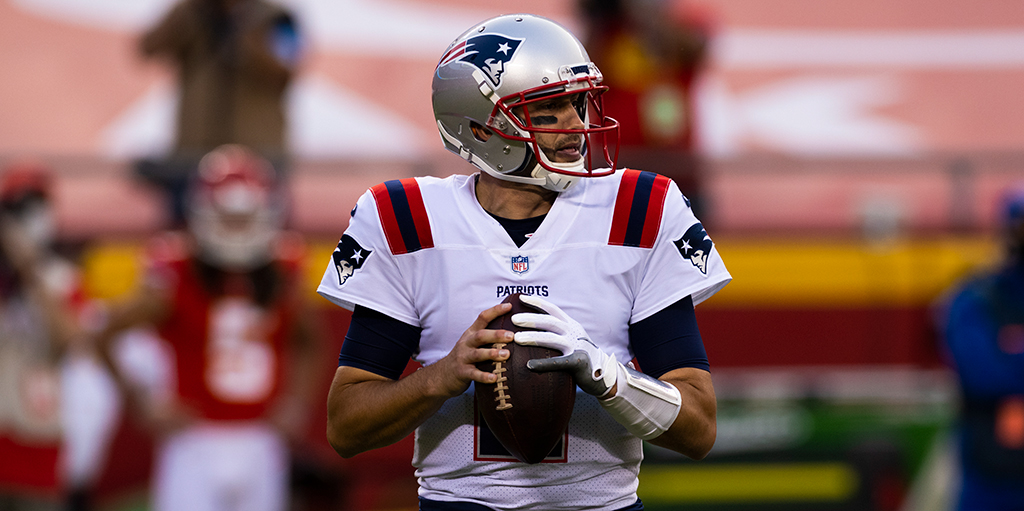 Veteran QB Brian Hoyer re-signs with New England Patriots
